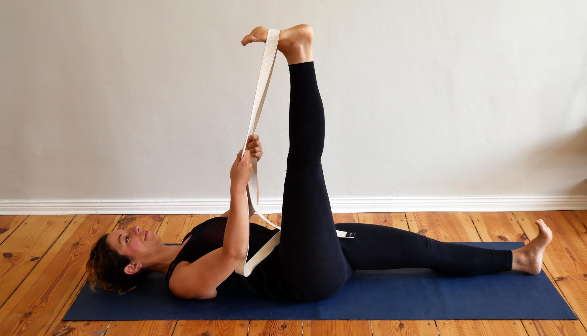 yoga nach bandscheibenvorfall 6 bungen zur kr ftigung und dehnung. Black Bedroom Furniture Sets. Home Design Ideas