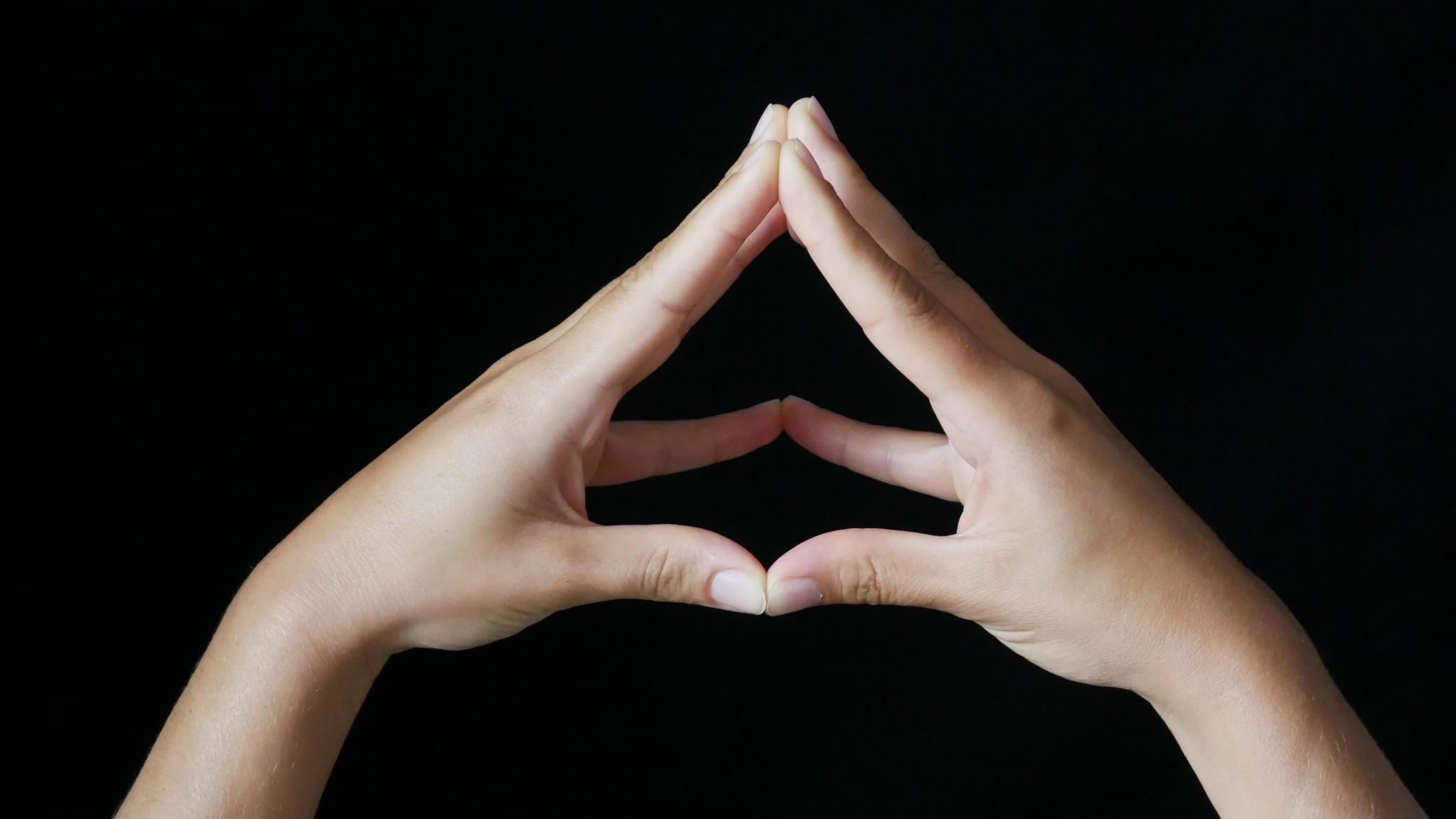 Hände Falten Bedeutung